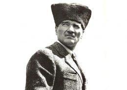 Mustafa Kemal Ataturk'ü Anıyoruz