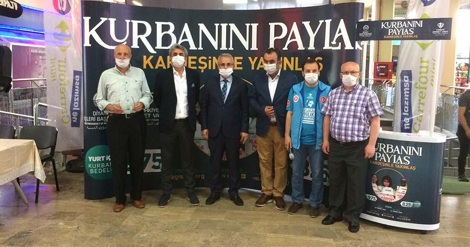 Perpa'da Kurban Bağış Standı Açıldı